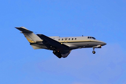 Private Jets – Chartering a Hawker 800 / 800XP